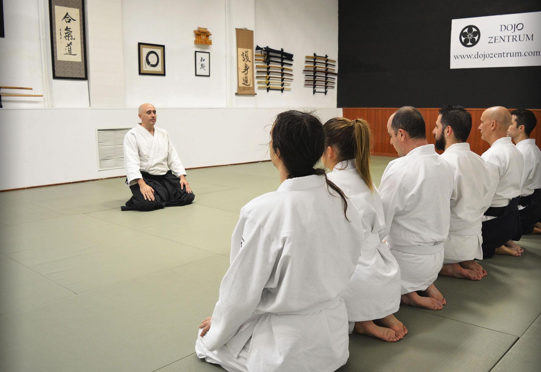 Grupo de Aikido en clase