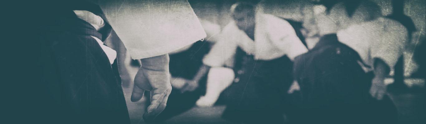 Practicantes de Aikido en clase, donde es muy importante la concentración.